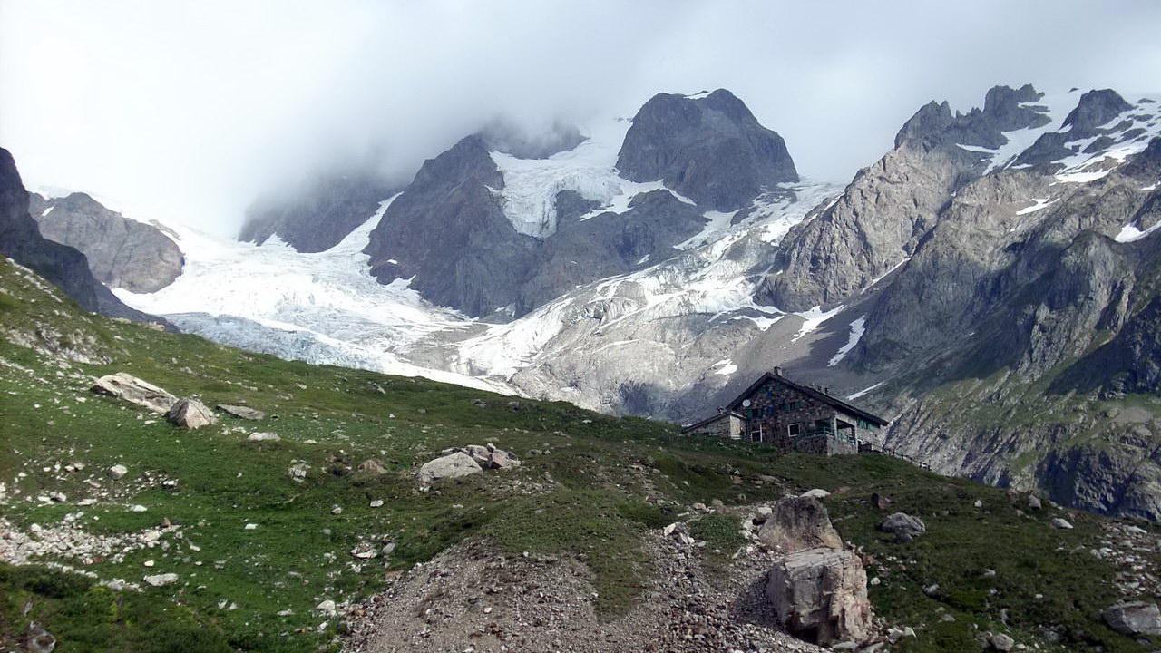 Refugio Elisabetta Soldini y glaciar de la Miage | TMB