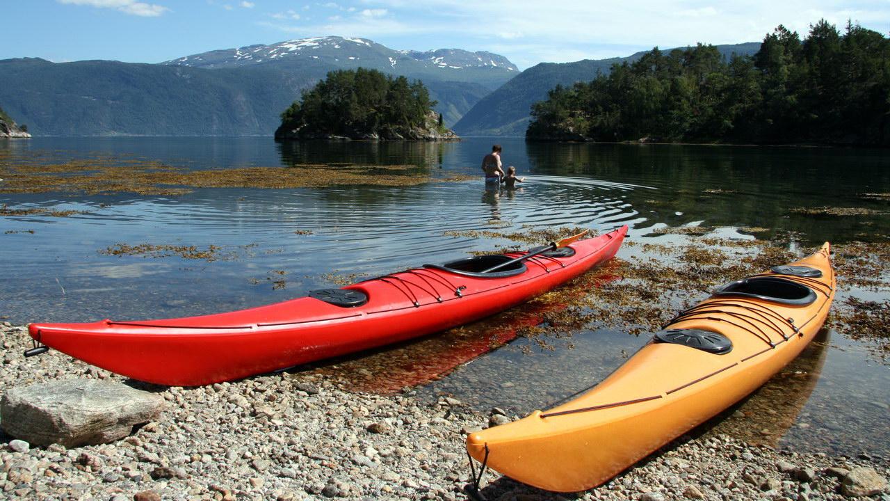 Kayak en un fiordo | Noruega