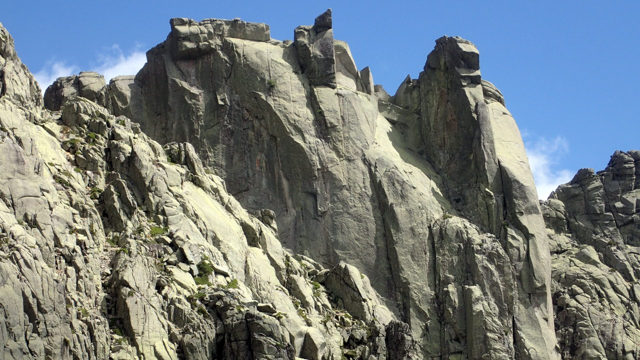 Las agujas y torreones de lo Galayos | Trail en Gredos (ES)